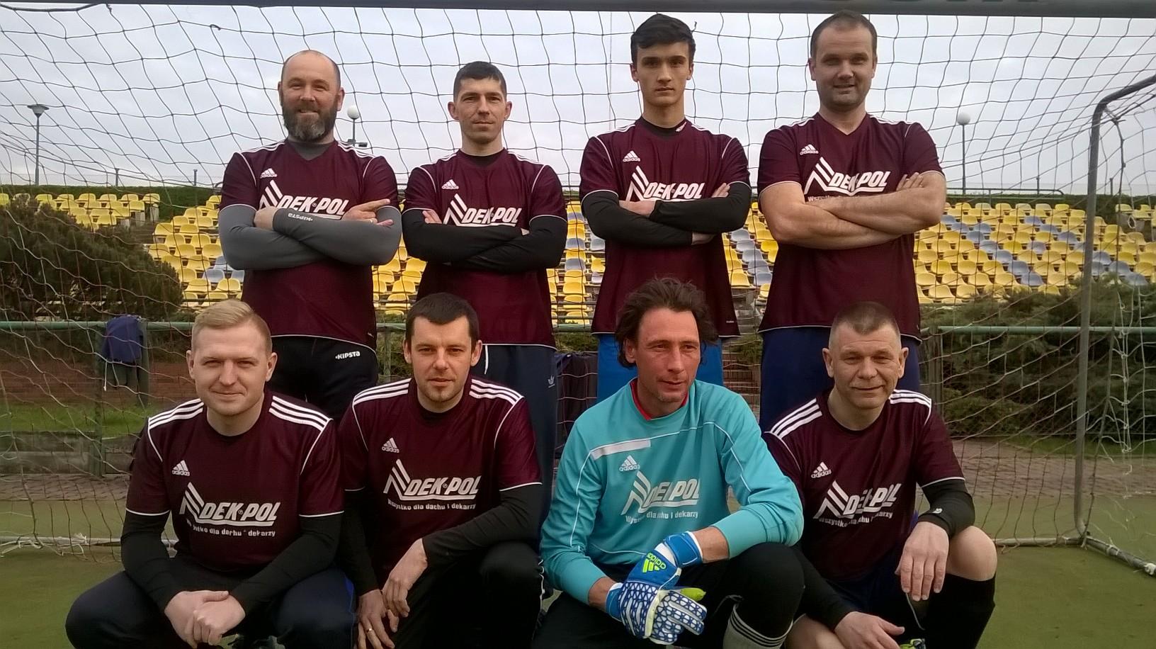 DEK-POL drużyna piłkarska